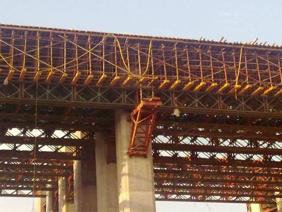 中铁十二局渝万铁路项目